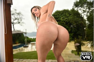 Wet Pussy - Mia Linz - VR Porn - Image 2