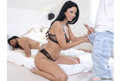 Family Sins: Here, There, Everywhere - Shalina Devine, Vanna Bardot - VR Porn - Image 10