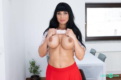 Roommate's Horny Sis - Valentina Ricci - VR Porn - Image 2