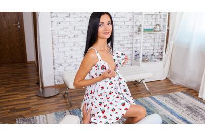 Sperm On Shopaholic's Ass - Megan Venturi - VR Porn - Image 3