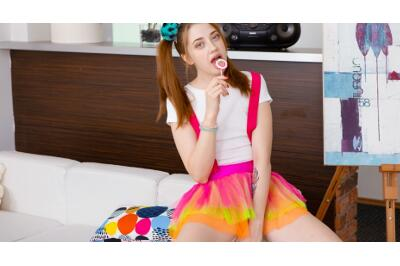 Sticky Caramel Pussy - Alita Angel - VR Porn - Image 2