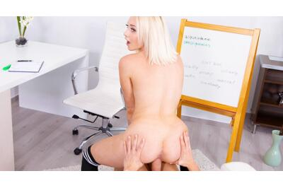Blonde Fucks Way Through Lesson - Marilyn Sugar - VR Porn - Image 5