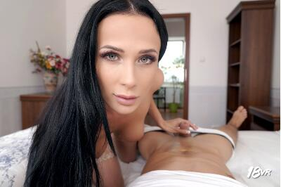 Double Diamond - Nicole Love - VR Porn - Image 3