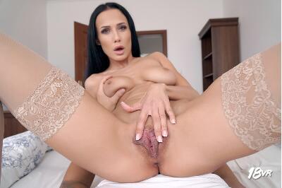 Double Diamond - Nicole Love - VR Porn - Image 11