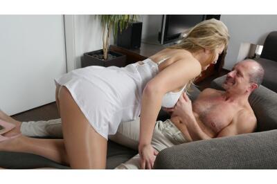 Pantyhose Lapdance - George Uhl, Nikky Dream - VR Porn - Image 1