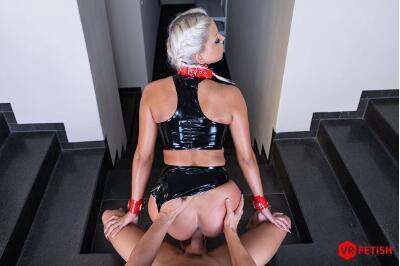 Obedient Slave - Julia Parker - VR Porn - Image 8