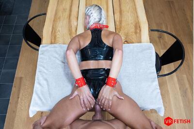 Obedient Slave - Julia Parker - VR Porn - Image 11