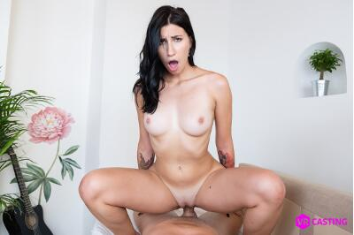 Raven-Haired Russian - Henna Ssy - VR Porn - Image 10