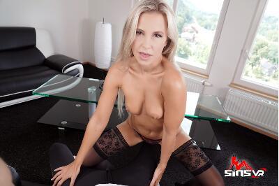 Lapdance - Lola Myluv - VR Porn - Image 22