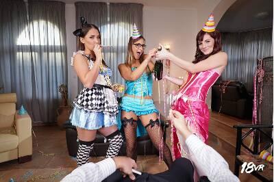 Cock Strikes Midnight - Ellen Betsy, Elena Vega, Naomi Bennet - VR Porn - Image 19