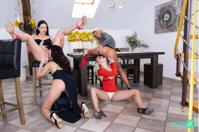 New Year's Fivesome - Claudia Mac, Katy Rose, Leanne Lace, Marilyn Sugar - VR Porn - Image 2