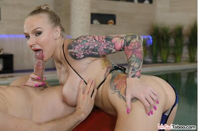 How I Wet My Mother - Kayla Green - VR Porn - Image 5