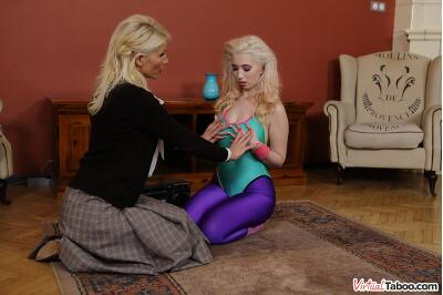 Learning From Mom - Roxy Risingstar, Tiffany Rousso - VR Porn - Image 2