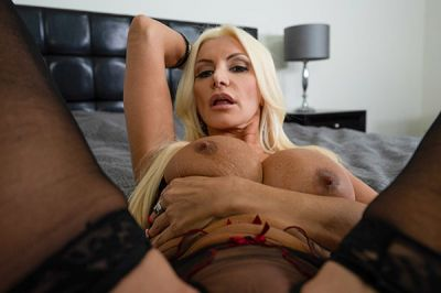 Mistress Mommy Will Tell You What To Do! - Brittany Andrews - VR Porn - Image 6