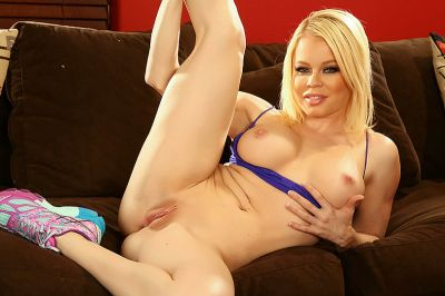 From The Vault - Nikki Delano, Derrick Pierce - VR Porn - Image 3
