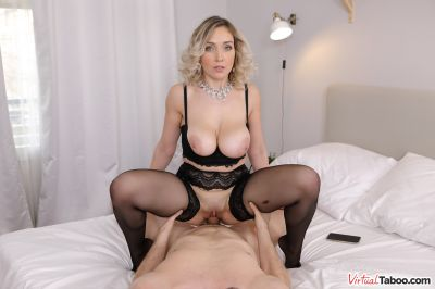 Come To Mommy - Siya Jey - VR Porn - Image 6