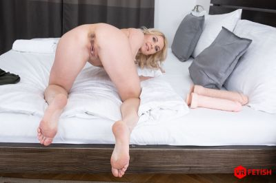 Prolapsing Holes - Sindy Rose - VR Porn - Image 6