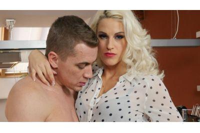 Milf In Red Stockings - Blanche Bradburry - VR Porn - Image 1