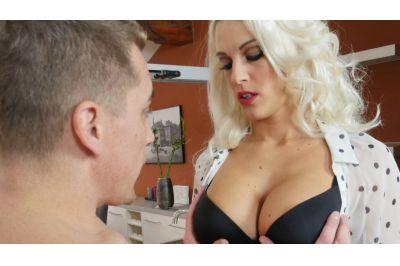 Milf In Red Stockings - Blanche Bradburry - VR Porn - Image 2