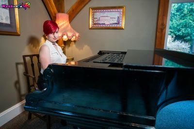 Pervy Pianist - Olivia Kinks - VR Porn - Image 1