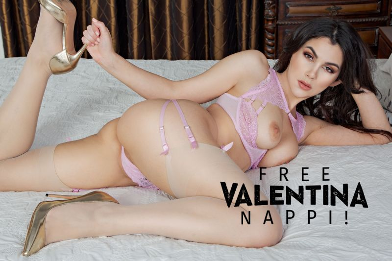 Free Valentina Nappi! feat. Valentina Nappi - VR Porn Video