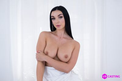 Raven-Haired Cutie - Lady Gang - VR Porn - Image 2