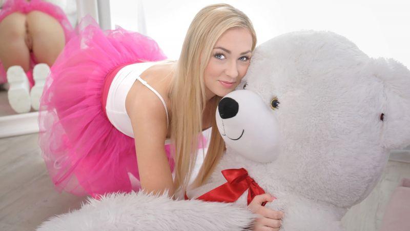 Secret Affair With My Teddy Bear feat. Jenny Wild - VR Porn Video