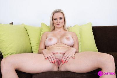 Small Blonde, Big Tits - Lily Joy - VR Porn - Image 2