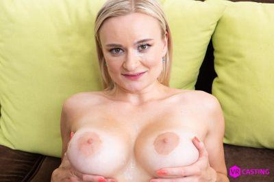 Small Blonde, Big Tits - Lily Joy - VR Porn - Image 9