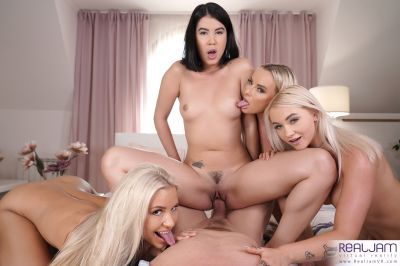 High School Quartet - Lady Dee, Lola Myluv, Marilyn Sugar, Victoria Pure - VR Porn - Image 5