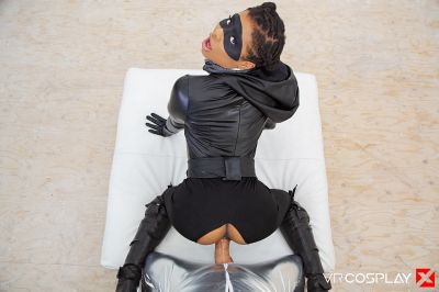Watchmen: Sister Night A XXX Parody - Kira Noir - VR Porn - Image 13