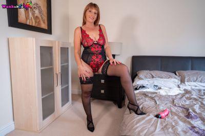 Sexual Service - Beau Diamonds - VR Porn - Image 4