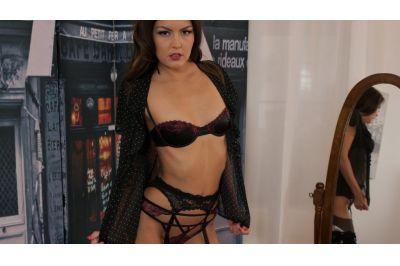 Posh Lady Lapdance - Cindy Shine - VR Porn - Image 6