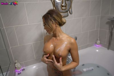 Wank And Watch - Natalia Forrest - VR Porn - Image 2