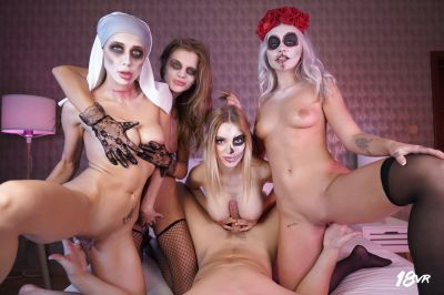 Sharing is Scaring - Marilyn Sugar, Nicole Love, Paola Hard, Sarah Kay - VR Porn - Image 13
