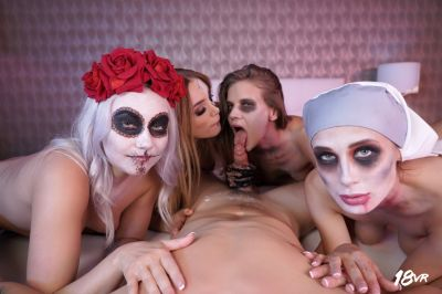 Sharing is Scaring - Marilyn Sugar, Nicole Love, Paola Hard, Sarah Kay - VR Porn - Image 17