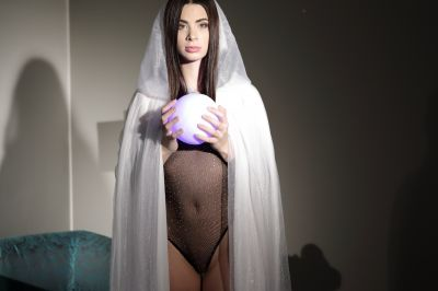 Fuck The Witch - Jenny Doll - VR Porn - Image 1