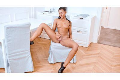 Masturbate Like You're All Alone - Adelle Sabelle - VR Porn - Image 5