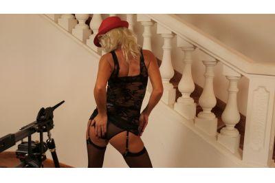 Stripper Milf - Kathy Anderson - VR Porn - Image 3