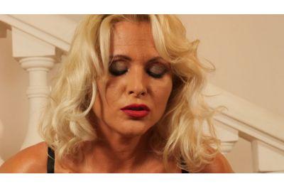 Stripper Milf - Kathy Anderson - VR Porn - Image 4