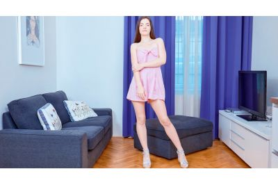 Kinky Sex Practice On Couch - Anie Darling - VR Porn - Image 1