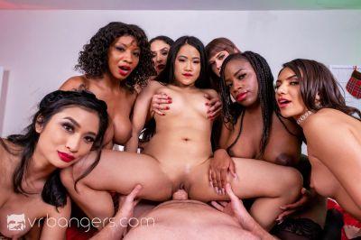 Naughty List of Mrs. Claus - Alexa Nova, Alona Bloom, Avery Black, Hime Marie, Kaiya Rose, September Reign, Sheena Ryder - VR Porn - Image 13