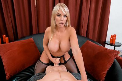 Get On Your Knees And Eat My Pussy! - Rachael Cavalli - VR Porn - Image 7