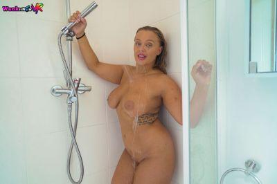 Soapy & Slippery - Beth - VR Porn - Image 5