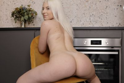 Naked For You - Lilly Bella - VR Porn - Image 5