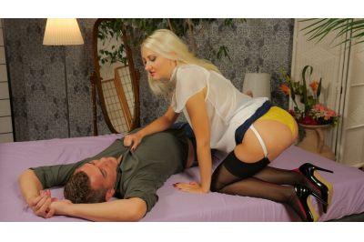 Panty Smother Domme - Helena Moeller - VR Porn - Image 3