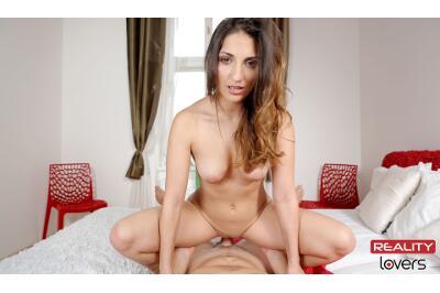Dinner Can Wait - Jimena Lago - VR Porn - Image 6