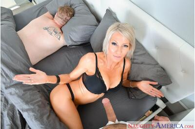 Step-Mother Fucker - Emma Starr, Damon Dice - VR Porn - Image 1