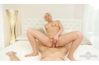 Pussy For Dinner - Kathy White - VR Porn - Image 6