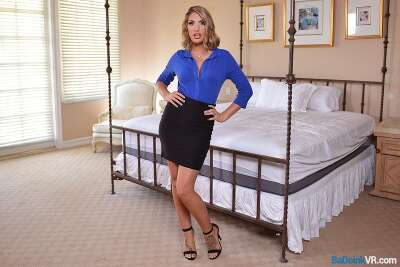 Sex Therapy - August Ames - VR Porn - Image 6